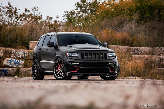 black jeep grand cherokee srt 22x10.5 smoked mirror concave flow form rotary forged wheels rims m652 front view