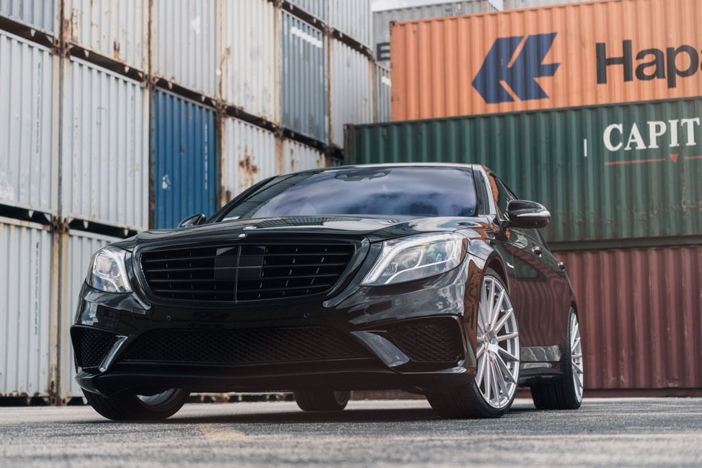 black mercedes benz s63 amg s class sedan m615 rotary forged flow form staggered concave monoblock wheels 22x9 22x10.5 22 inch rims agwheels avant garde front low