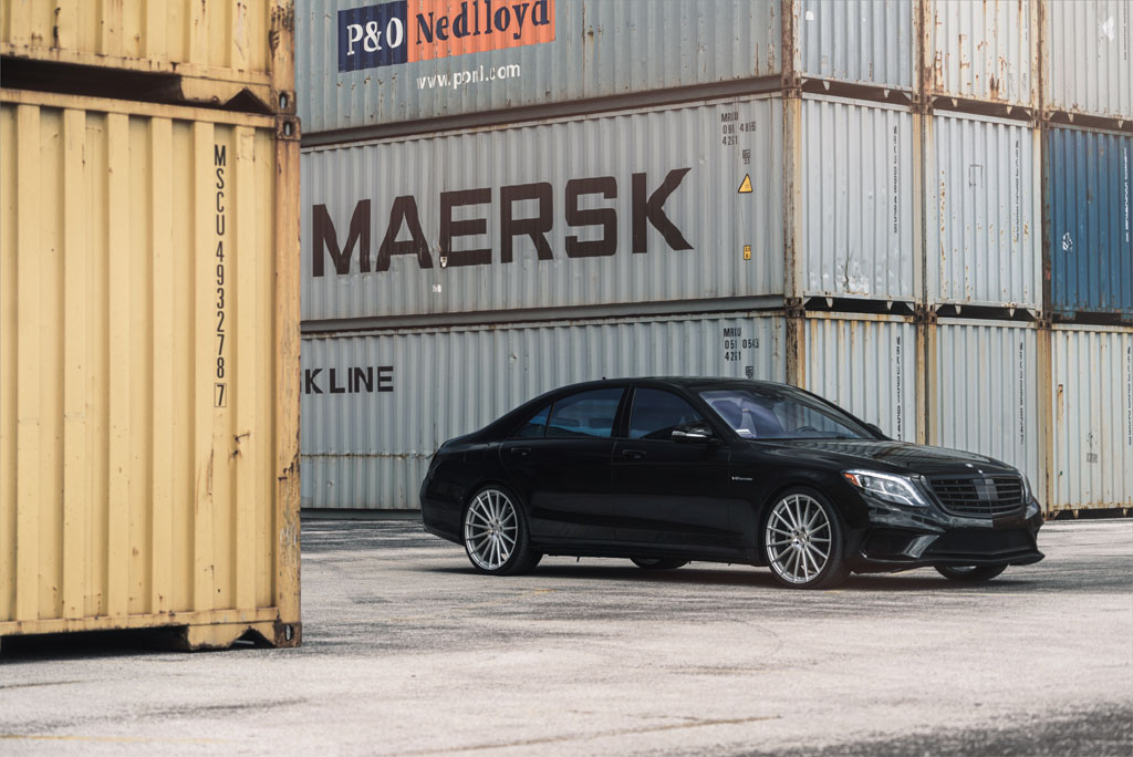 "Mercedes-Benz S63 AMG with 22"" M615 Wheels"