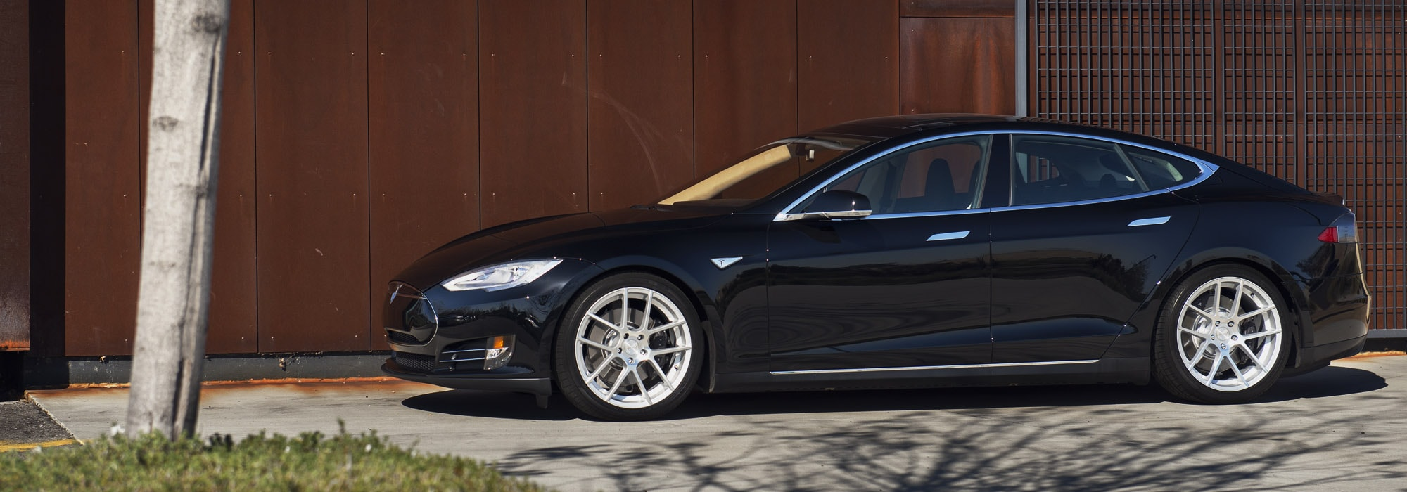 black tesla model s p85d 20x8.5 20x10 m510 staggered concave split five spoke wheels rims satin silver side