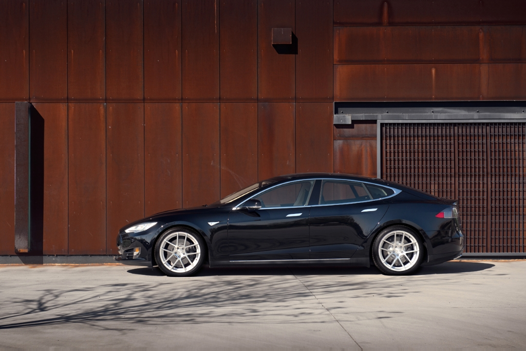 black tesla model s p85d 20x8.5 20x10 m510 staggered concave split five spoke wheels rims satin silver side 2
